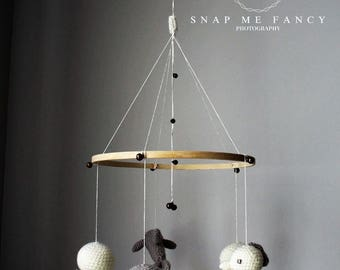Baby mobile ocean gray & white