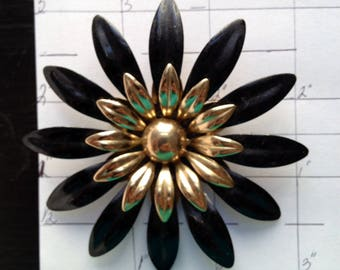 Vintage Brooch Lolita Brooch Black Flower Brooch Enamel Brooch Daisy Brooch Black Brooch 1960 Brooch Steampunk Brooch Retro Brooch