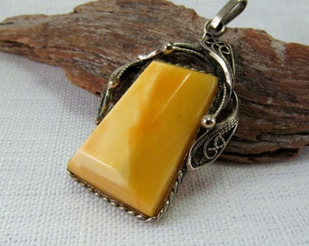 Baltic Amber Yellow Yolk Butterscotch Pendant 8,4 gram Natural Amber Necklace Amber Jewelry