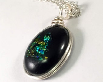 Sparkling - Glass Pendant - Black with Gold-Green decoration - in Silver plated Wire wrap