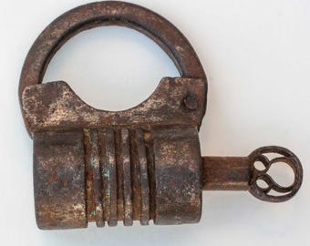 Antique Indian Screw thread Barrel Padlock