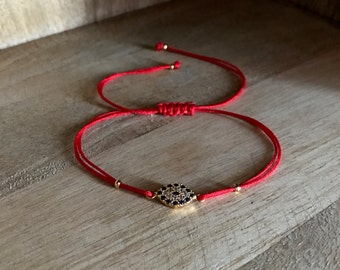 Evil eye bracelet with red string