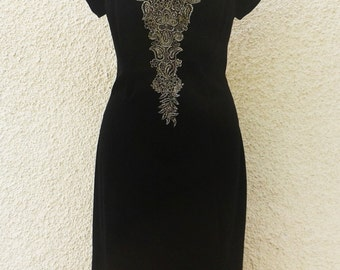 Vintage Off-Shoulder Embroidered Velvet Dress
