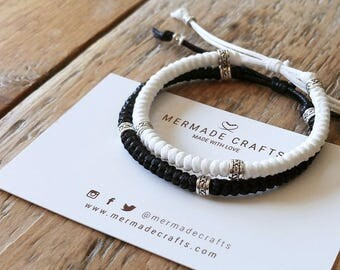 Set of 2 - Black and White Knotted Bracelets - Couple Friendship Matching Macrame Set - Natural Colour Pattern