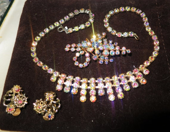 Lovely vintage deco goldtone AB rhinestone necklace, brooch and earrings set