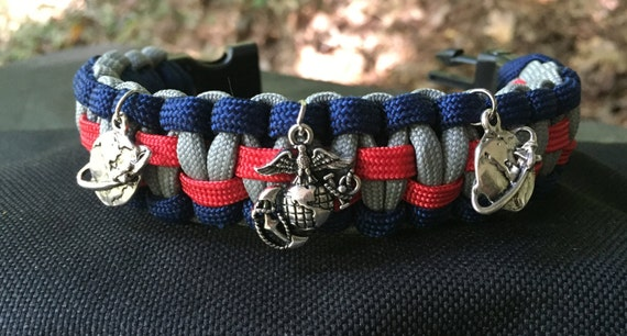 US Marines Paracord Bracelet, Marine vintage silver plated charm, also with a survival whistle buckle,