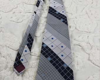 Carnaval de Paris Polyester wide neck tie 1970s 70s blue gray square dot check stripe funky hipster prom