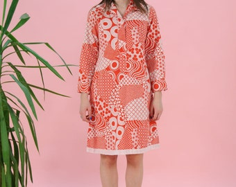 FREE SHIPPING 60s shirt dress, midi length, red dress, long sleeve, psychadelic print, medium size, summer cotton dress