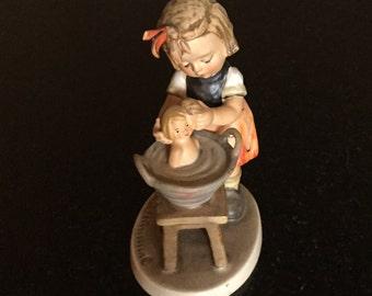 Vintage Goebel Figurine M.I. Hummel Doll Bath #319 TMK4