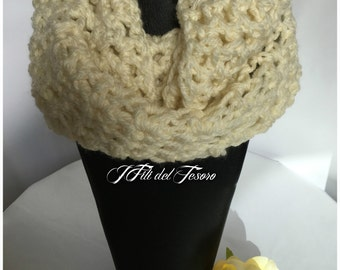 Infinity Scarf crochet Neckwarmer/cream Neckwarmer/cowl neck/Winter/Winter Accessories/accessories/gift for you/Gift