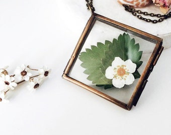 Woodland Strawberry Locket-Necklace slide with real strawberries