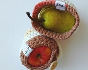 Apple cozy Handmade Crochet fruit cozy - Lunch bag buddy- Pêche au caramel