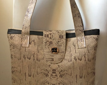 Handbag type Tote in faux leather, snake and black - Ref. S38