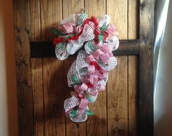 Candy Cane Deco Mesh Wreath - Deco Mesh Wreath - Candy Cane Wreath - Candy Cane Decor - Christmas Wreath - Red Wreath - Loveleigh Creations