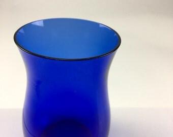 Gesigneerde glazen Copier vaas.