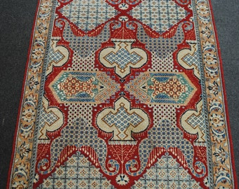 Rug Ghom very end red background size 126cmx80cm