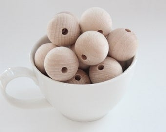 Unfinished beech wooden beads 30 mm (1,18 inches) / Choose amount
