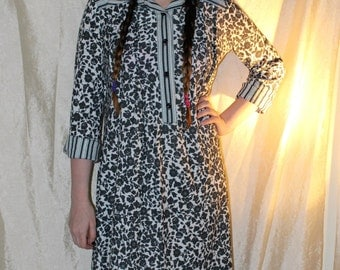 Vintage 70's PARUES FEINSTEIN Boho Cotton Print Fall Fabulous Hippy Dress I.Magnin Trapeze Dress Long Sleeve size M/L
