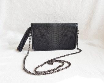 Dark Grey Crossbody Chain Purse, Chain Strap Purse, Leather Like Bag, Shoulder Bag,Saddle Bag, Minimalist Purse,Modern Handbag,Messanger Bag
