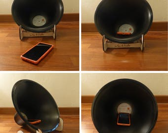 GramoPHONE the mobile amplifier made with a vinyl LP disc