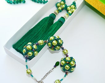 A set of the beaded earrings  with tassels and a bracelet, green, emerald , handmade, gift for girl woman.Free shipping!