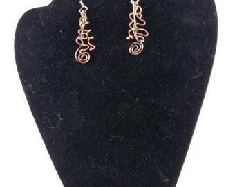 multi toned wire swirl dangle earrings