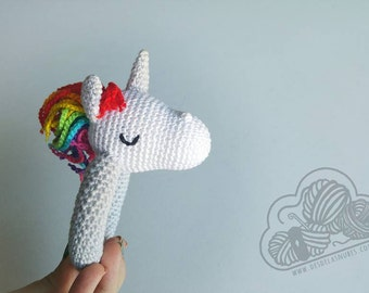 Sami, rattle Unicorn