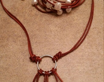 Lariat Ring Necklace Set: Distressed Brown/White Pearls