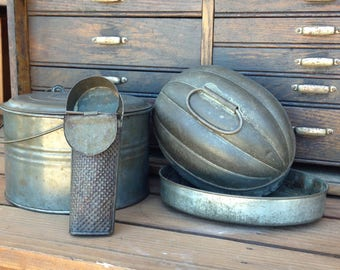 Vintage kitchen tins and nutmeg grater