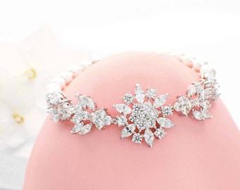 Pearl wedding bracelet, crystal bridal bracelet, pearl bridal jewelry, crystal jewelry, bridesmaid bracelet wedding jewelry bridesmaid gift