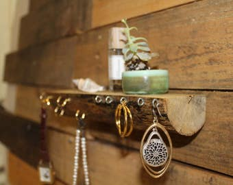 Lightweight Wooden Jewelry Shelf