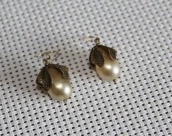 Vintage costume pearl drop earrings or pierced ears