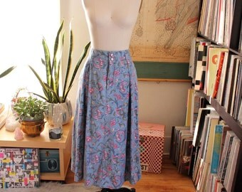 "floral print cotton chambray skirt . early 90s vintage skirt . womens large . 30"" waist"