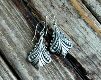 Bohemian Earrings . Mother's Day Gift . Best Friend Birthday Gift . Silver Dangle Earrings . Boho Bohemian Jewelry . Gift for Mom