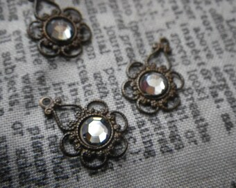 Floral Filigree with Preciosa Crystal Lagoon Chatons Brass Ox Drops 4 Pcs