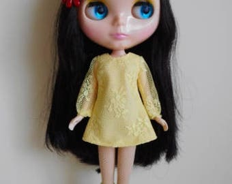 Yellow lace dress for Blythe