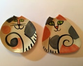 Calico ceramic decor: set 2 feline plate triangle round stoneware HM dish unique kitty design decorative functional whimsical