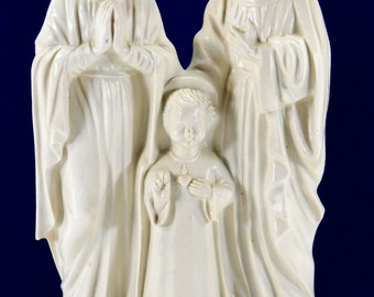 Holy Family Statue Vintage White Hard Molded Plastic Child Jesus Sacred Heart 17680