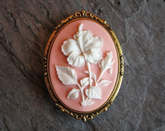 Hibiscus flower cameo brooch, pink flower cameo brooch, antique gold brooch, cameo jewelry, holiday gift ideas, gift ideas for mom