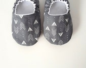 Baby Shoes, Baby Moccasins, Childrens Indoor Shoes, Arrows