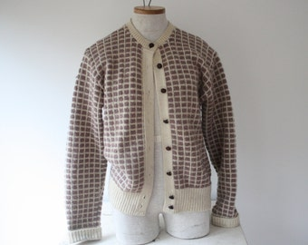 CUTE!!! Vintage 1980s Women's LL Bean Cream and Mauve Checkered Warm Wool Cardigan Sweater