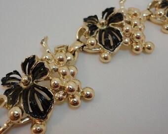 60s Goldtone/Enamel grapes links bracelet Sarah Coventry