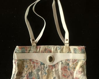 Vintage 80s Cream White FLORAL TAPESTRY Purse / Pacific Connections / Pastel Handbag / THREE Zipper Compartments