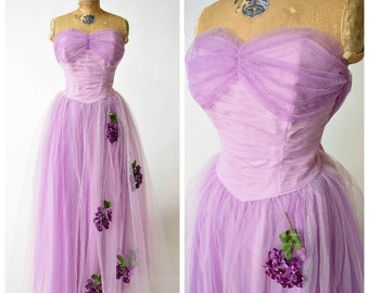 50s Purple & Lavender Tulle Gown w Violet Flower Appliques // Glamorous Pinup Perfection, VLV Bombshell Formal Prom Dress