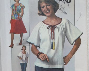 Size 10 Bust 32.5  Vintage Simplicity Jiffy Sewing Pattern 7964 Skirt and Pullover Peasant Top