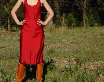 Size Medium... Red Maxi Length Slip... Lovely Long Red Vintage Slip