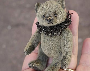 Bramble, Green Mini Miniature Artist Teddy Bear by Aerlinn Bears