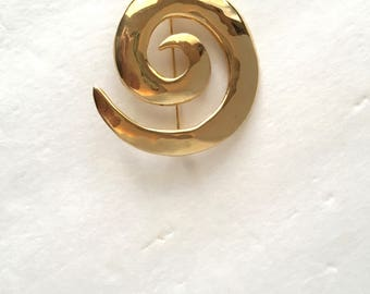 Large Gold Swirl Brooch | 80s Vintage Shiny Yellow Gold Tone Abstract Pin