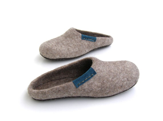 Eco friendly natural brown, beigecolor/ felted slippers / men's / silver / platinum/ Brown/ grey