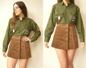 1980's Vintage Khaki Green Scout Shirt Top With Patches